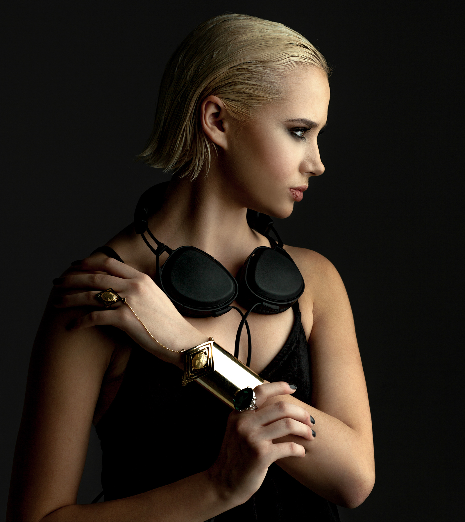 Worlds First On Ear Planar Magnetic Headphone Audeze Sine